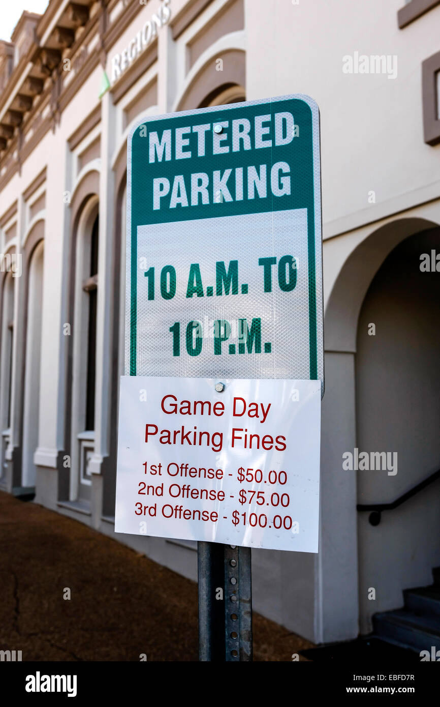 Metered Parking sign 10am to 10pm - Stock Image
