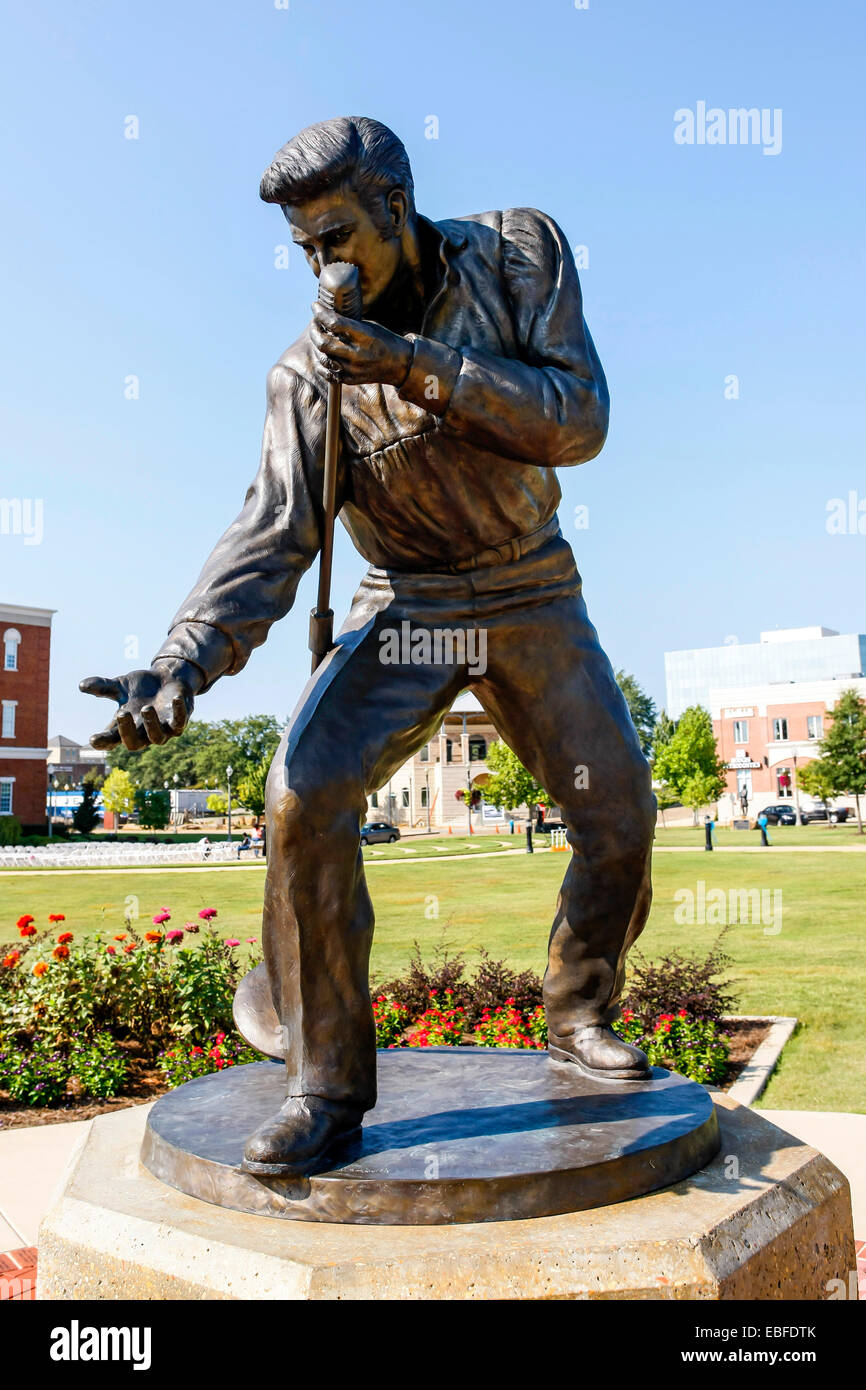 The Elvis Presley Homecoming Statue in Fairpark. Site of the 1956 Elvis homecoming concert at the Mississippi-Alabama - Stock Image