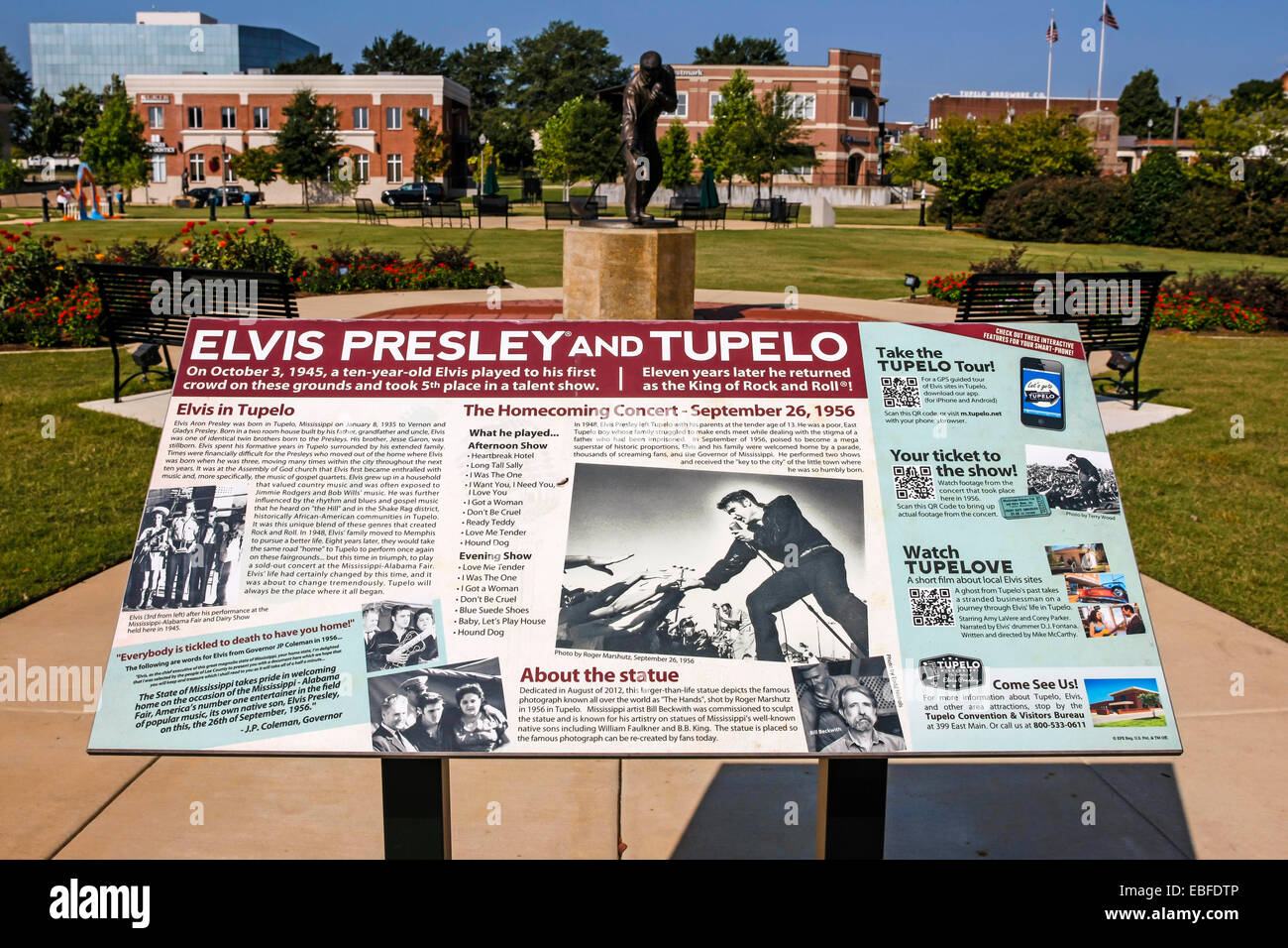 Information plaque about the Elvis Homecoming Statue in Fairpark. Site of the 1956 Elvis homecoming concert Tupelo - Stock Image