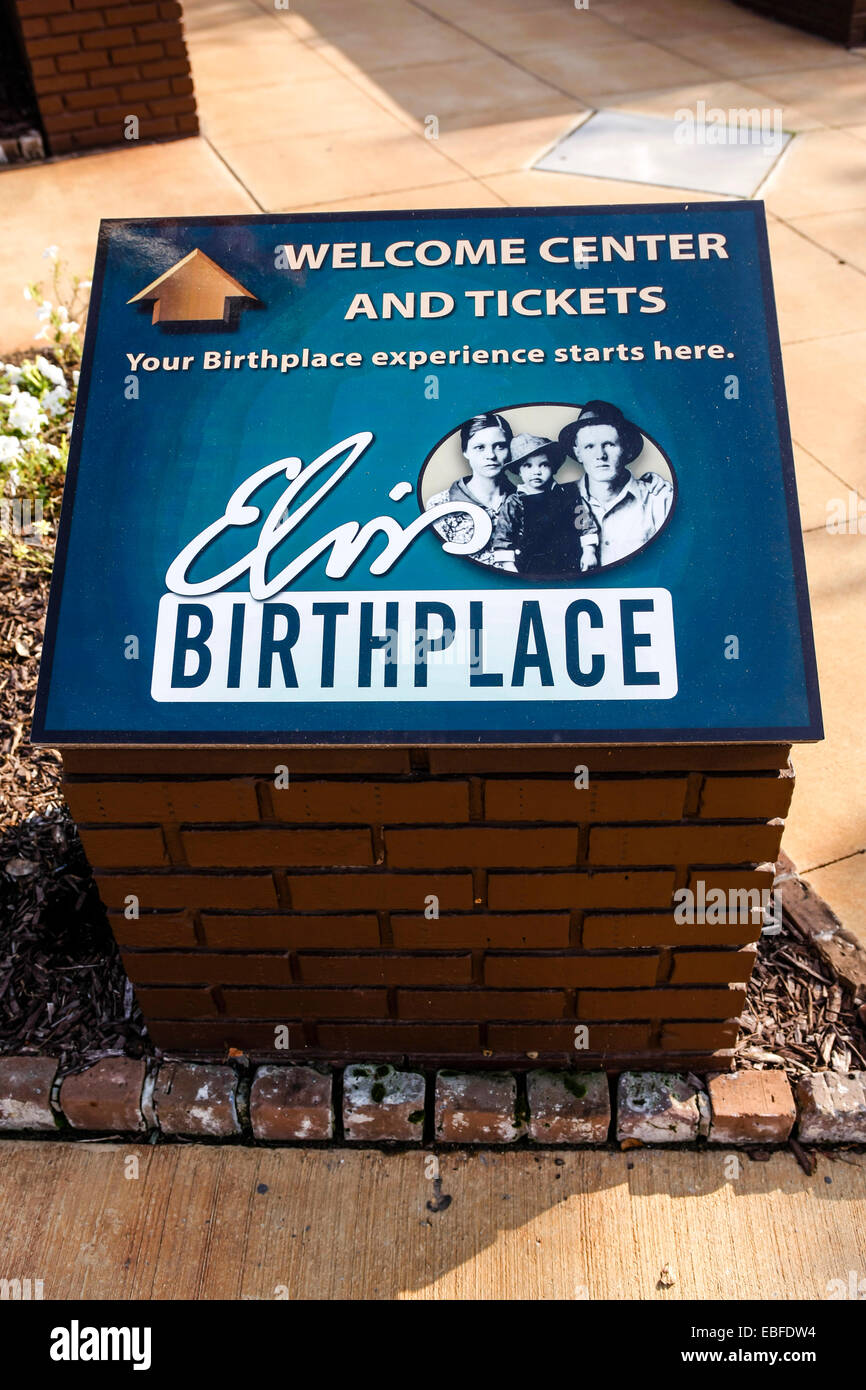 Elvis birthplace welcome center sign in Tupelo Mississippi - Stock Image