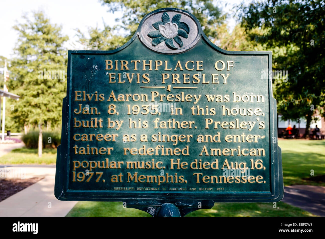 Birthplace of Elvis Presley National Historic Plaque in Tupelo MS - Stock Image