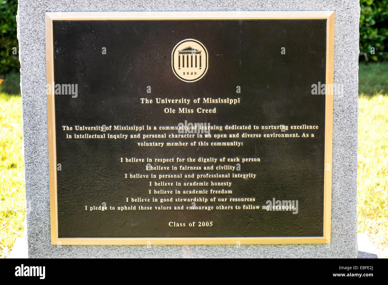 The University of Mississippi 'Ole Miss' creed plaque outside the Lyceum building at Oxford. - Stock Image