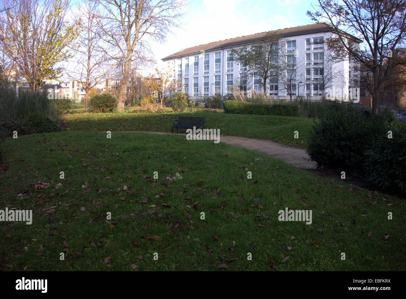 Some Of The Social Housing Around North Norland Park London W11 Stock Photo Alamy