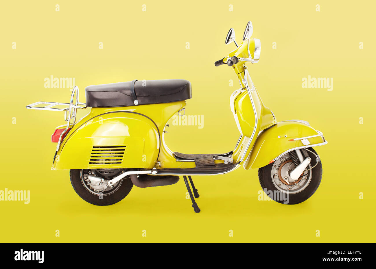 Profile of 1971 Rally Vespa scooter - Stock Image