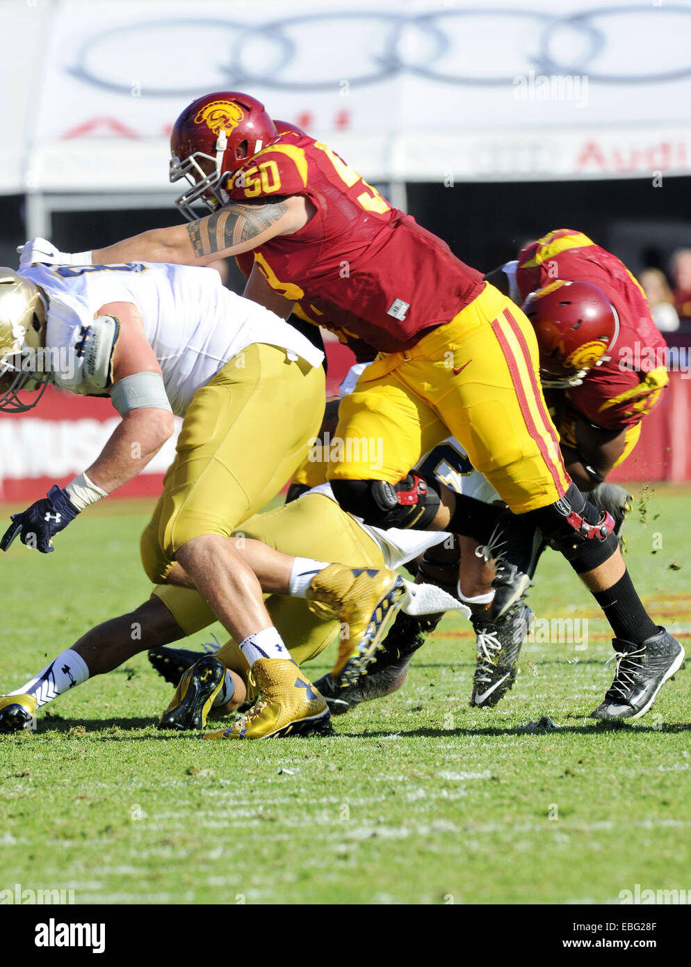 November 29 2014. Toa Lobendahn of the USC Trojans in action during a 49-14 victory over the Notre Dame Fighting - Stock Image