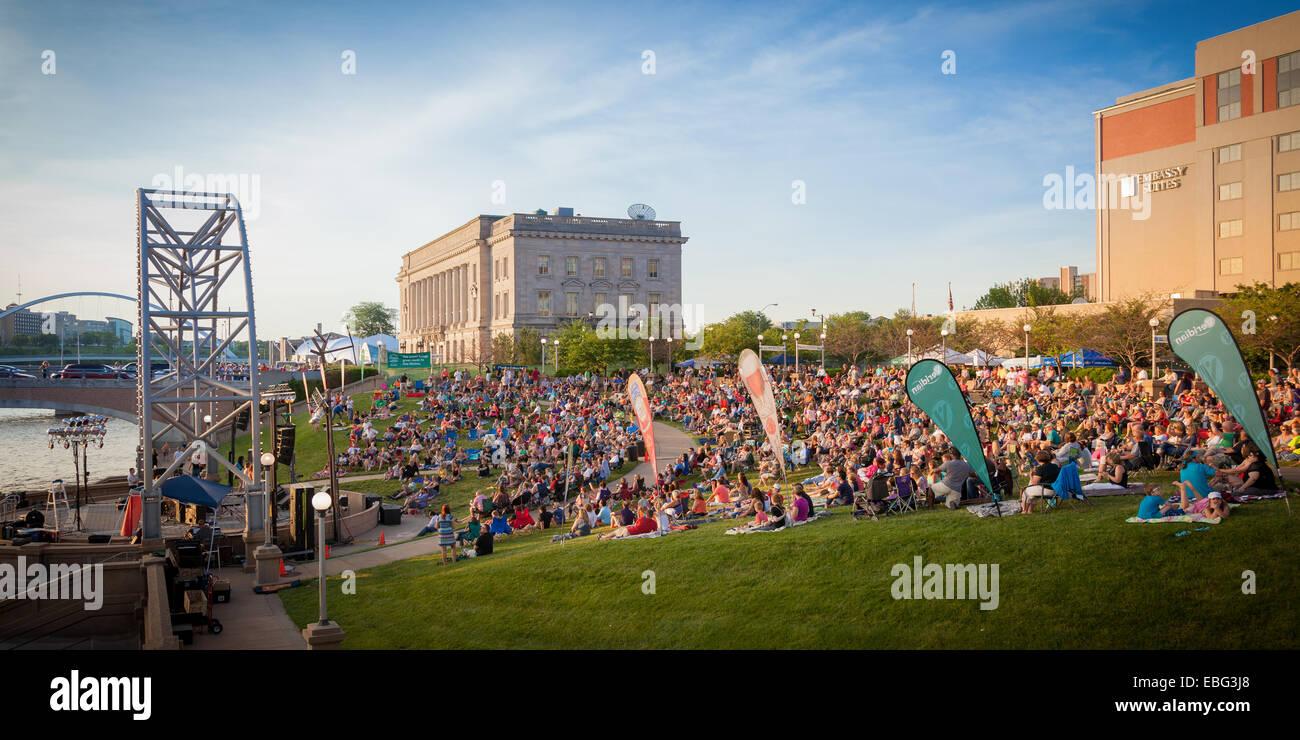 Simon Estes Riverfront Amphitheater. Des Moines, Iowa. - Stock Image