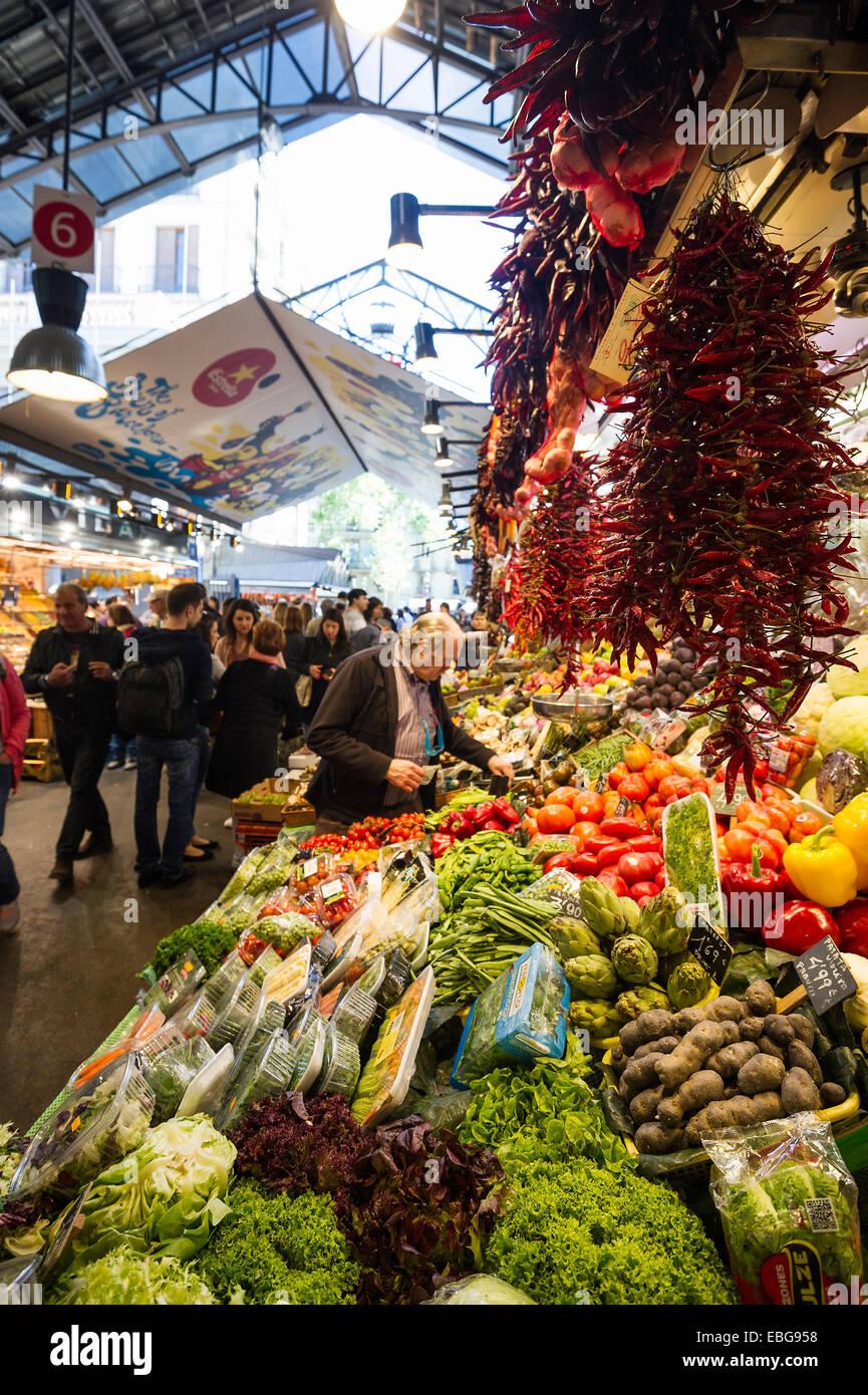 Mercat de Sant Josep market hall, La Rambla, El Raval, Barcelona, Catalonia, Spain - Stock Image