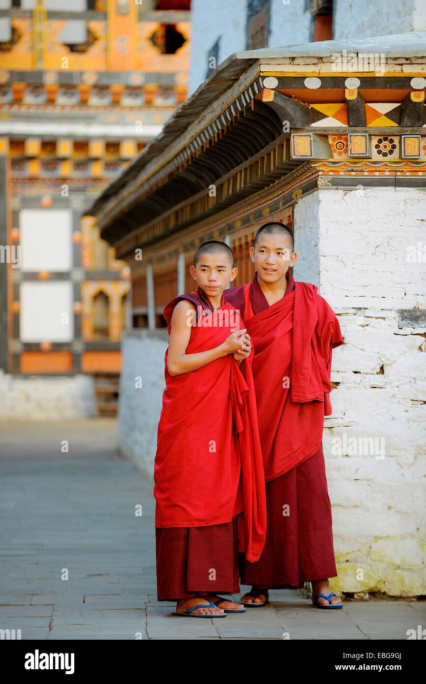 Monks in Mongar Dzong fortress, Mongar, Mongar District, Bhutan - Stock Image