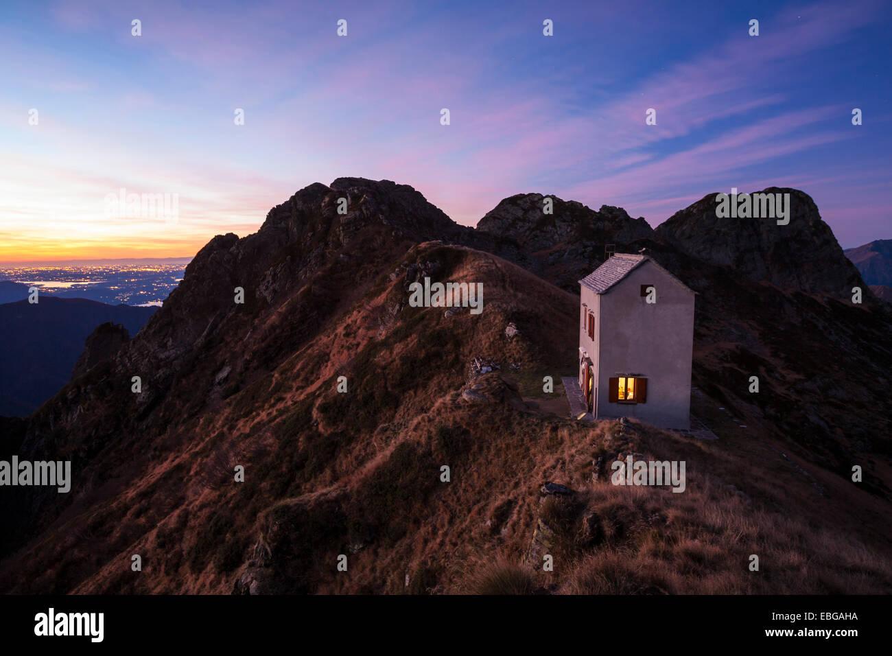 Morning Mood At The Bivacco Bocchetta Di Campo Mountain Hut Val Stock Photo Alamy