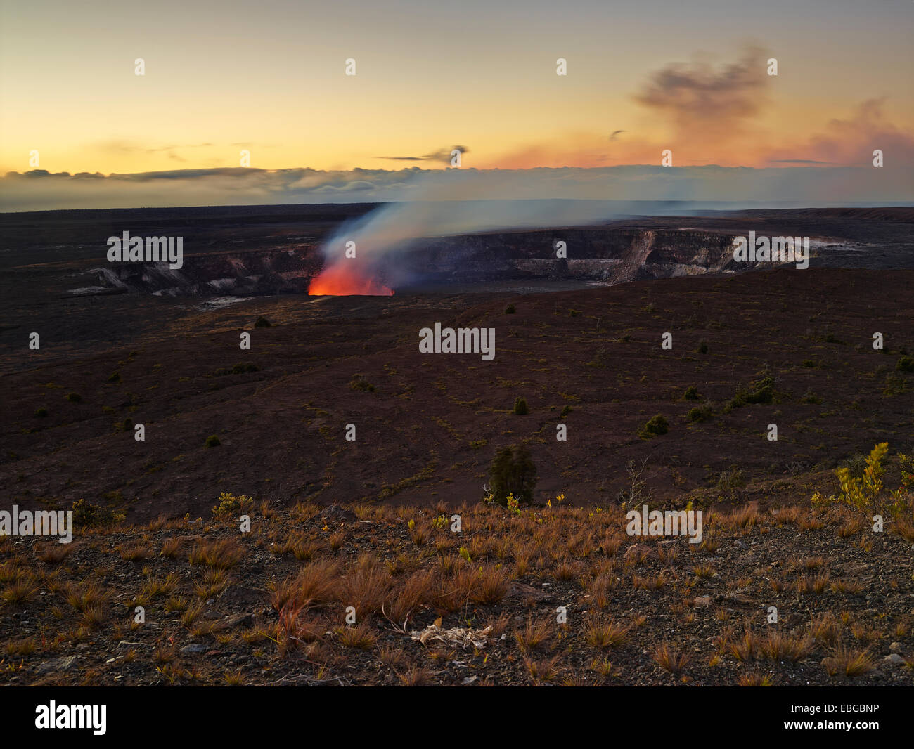 Halema'uma'u or Halemaumau crater, Kilauea crater, volcanic eruption, lava, red hot lava flow, Hawaiʻi-Volcanoes - Stock Image