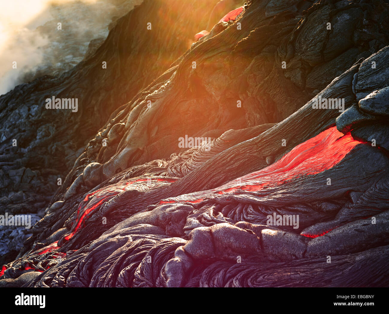 Puʻu ʻŌʻō or Puu Oo volcano, volcanic eruption, lava, red hot lava flow, Hawaiʻi-Volcanoes-Nationalpark, USA, Hawaii - Stock Image