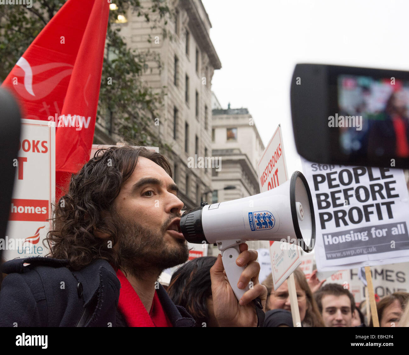 London UK, 1st December 2014. Russell Brand speaks as protesters hold a demonstration to save the New Era housing - Stock Image