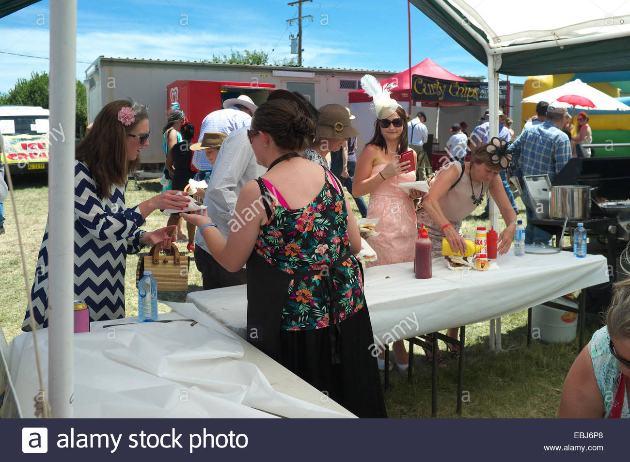 Hot dog & burger stall at the Adaminaby Races (horse racing), Snowy Mountains, NSW, Australia. - Stock Image