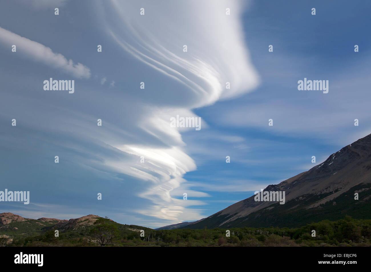 Altocumulus Lenticularis Clouds Stock Photos & Altocumulus ...  Altocumulus Len...