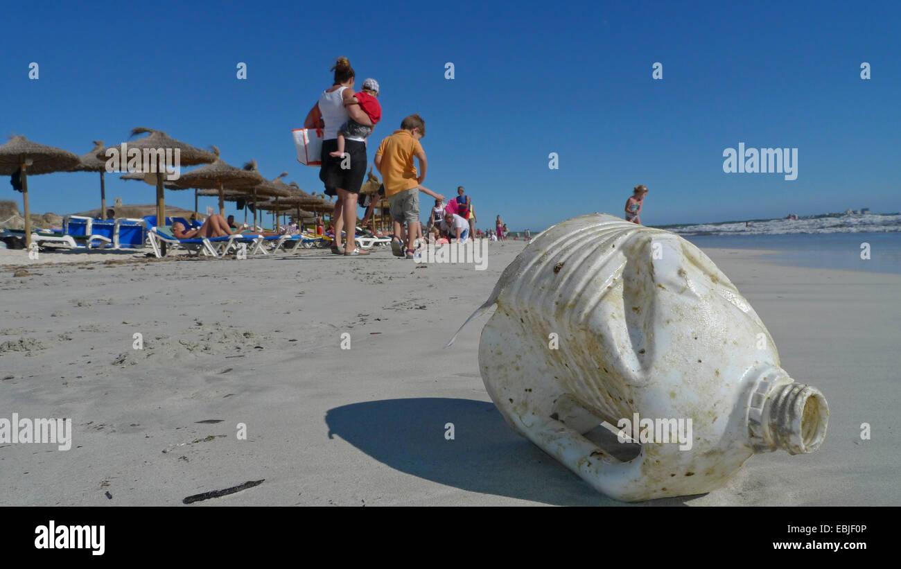 plastic waste on a bathing beach, Spain, Balearen, Majorca, Es Trenc - Stock Image