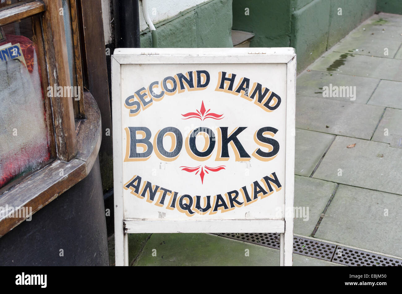 Sign for Second Hand and Antiquarian books outside a shop in the Herefordshire town of Ross-on-Wye - Stock Image