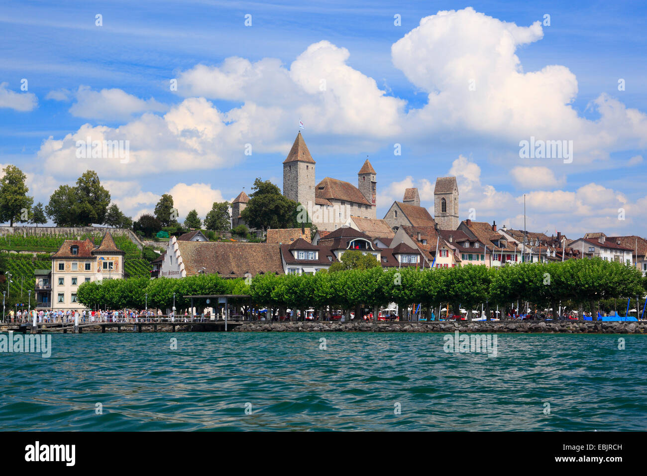 Rapperswil Castle on shore of the Lake Zurich, Switzerland, St. Gallen - Stock Image
