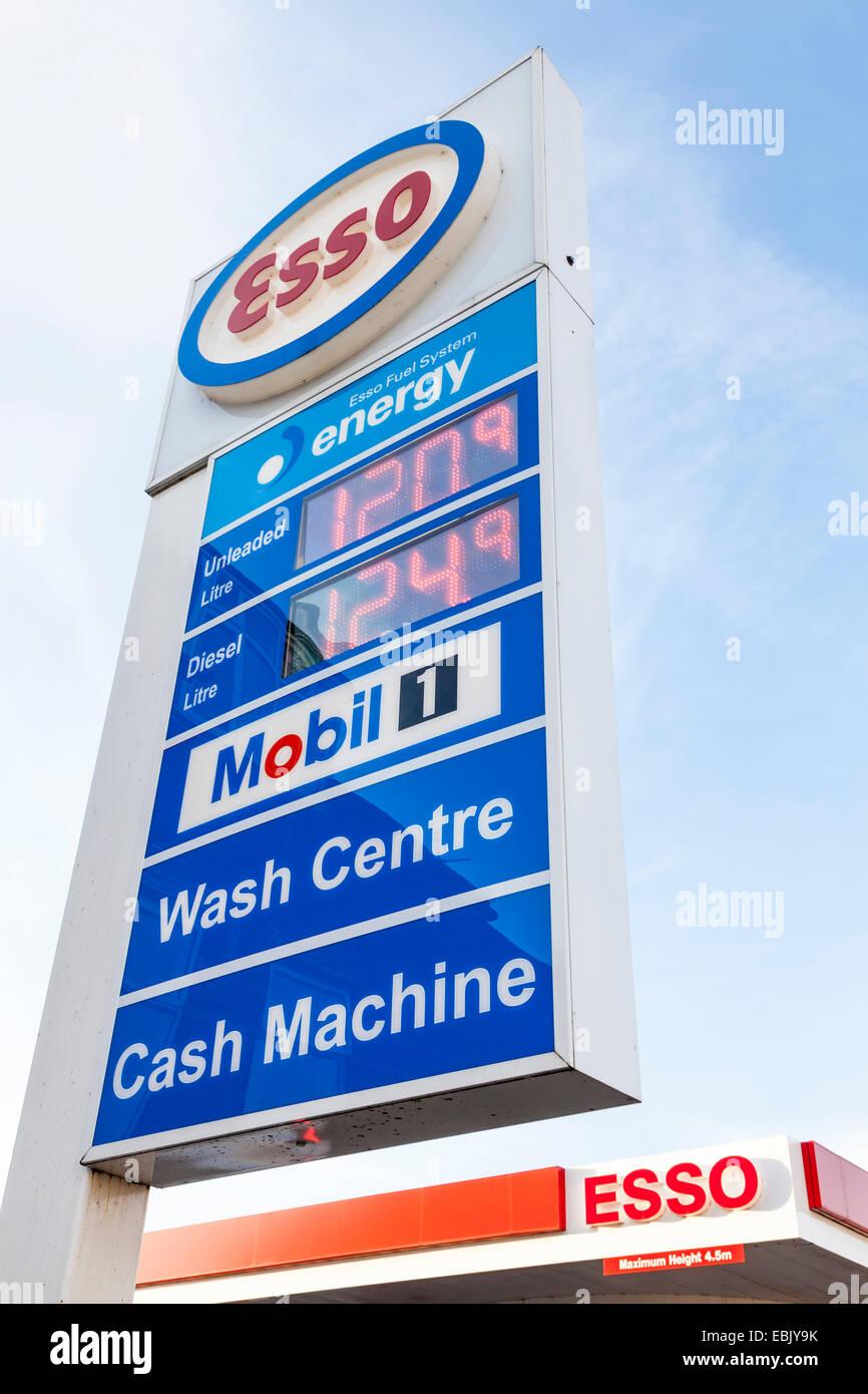 Esso Sign Stock Photos & Esso Sign Stock Images - Alamy
