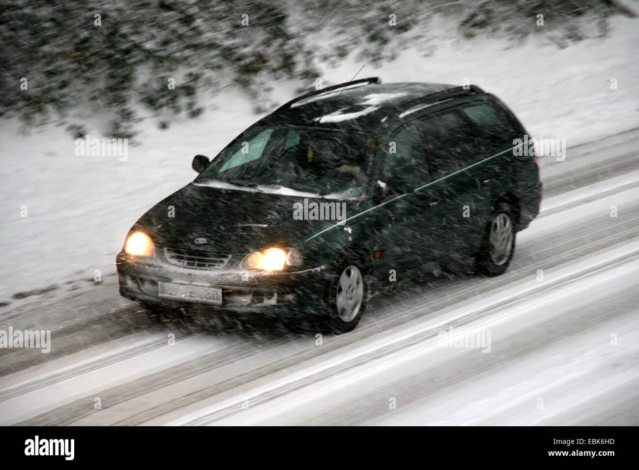 traffic obstruction by fresh snow, Germany, North Rhine-Westphalia - Stock Image