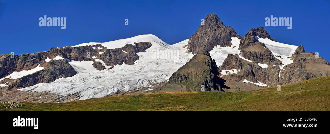 summerly panoramic view at the Aiguille des Glaciers Aiguille des Glaciers (3,816 m) covered with glaciers and remains - Stock Image