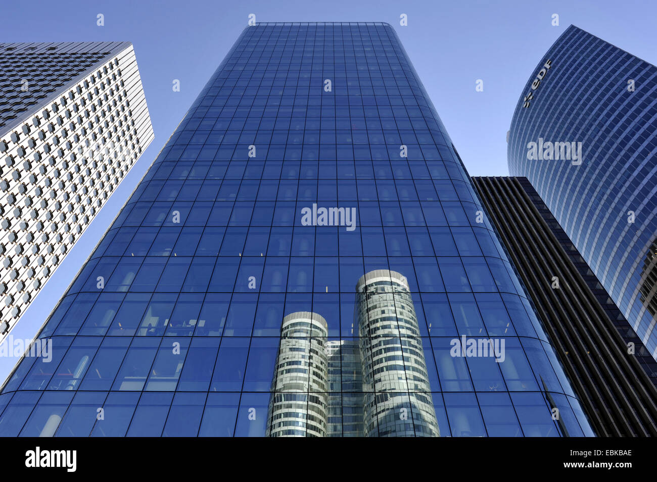 looming high-rise office buildings of the district La D�fense, France, Paris - Stock Image