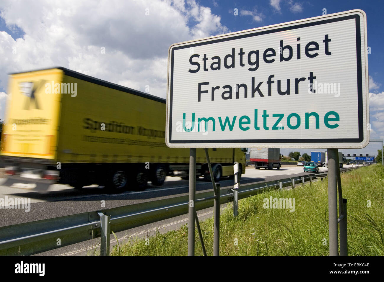 information sign at the motorway A5 pointing out the environmental zone at the Frankfurt city area, Germany, Hesse - Stock Image
