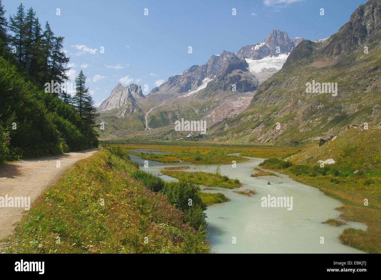 Lac de Combal in Val Veny with Aiguille des Glaciers, Italy - Stock Image