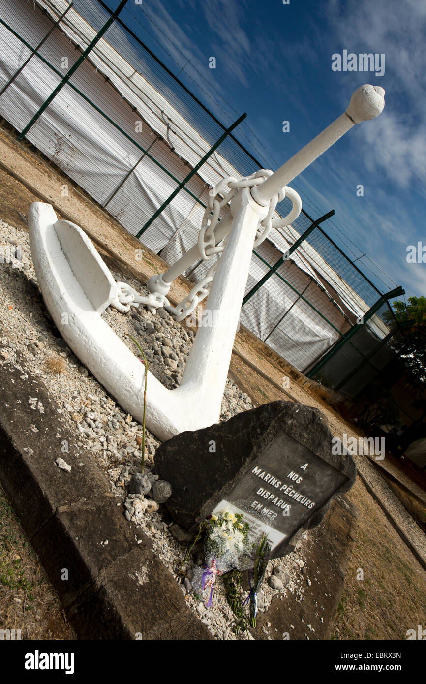 Mauritius, Port Louis, anchor memorial to fishermen lost at sea Stock Photo