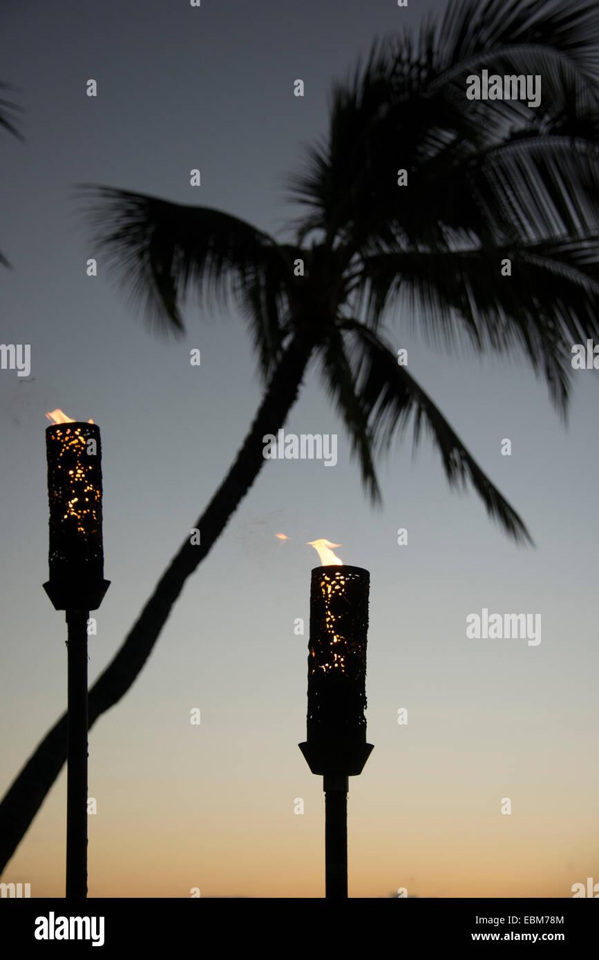 Tiki Torch Stock Photos Amp Tiki Torch Stock Images Alamy