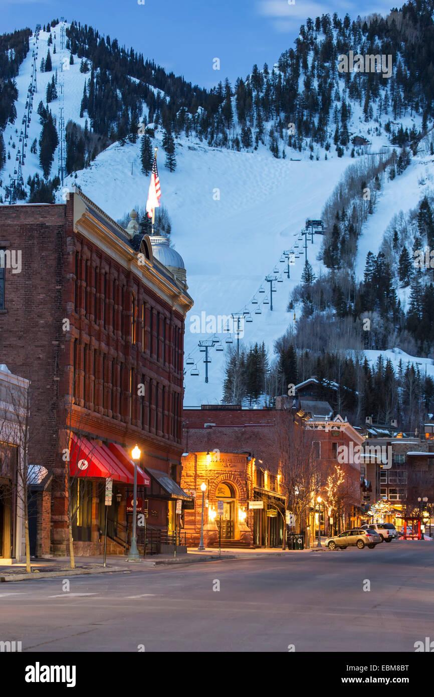 Downtown and Aspen Mountain, Aspen, Colorado USA - Stock Image