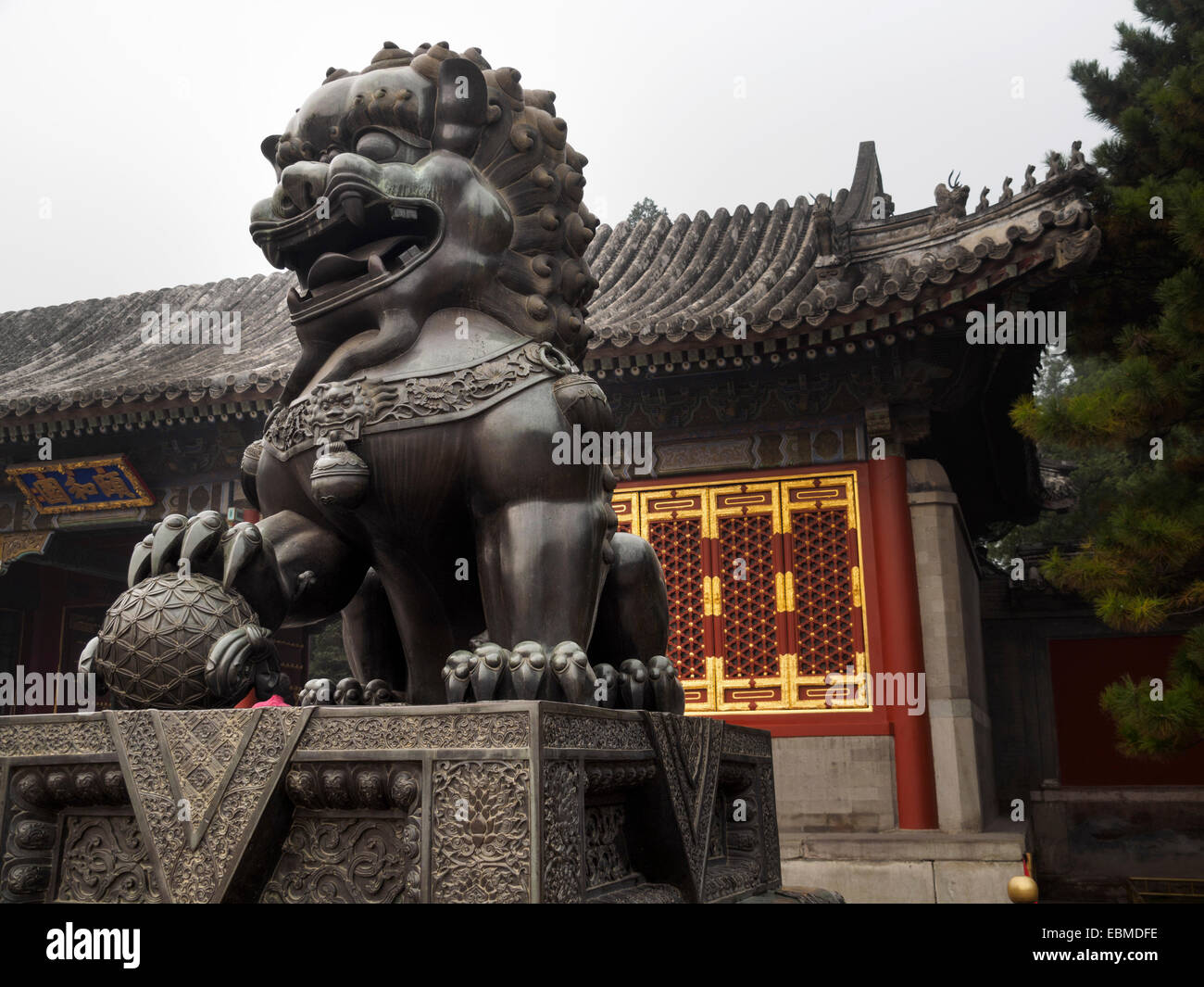 Bronze statue of Chinese guardian lions in the Summer Palace in Beijing, China - Stock Image