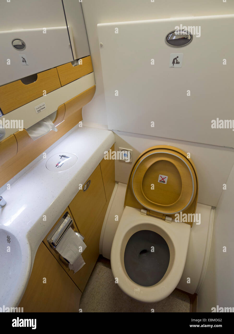 Airplane Washroom Toilet Wc Stock Photos & Airplane Washroom Toilet ...