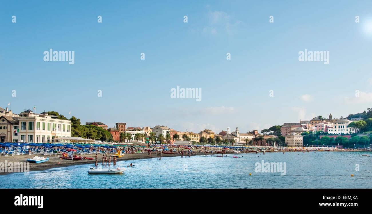 Sestri Levante with lido, Cinque Terre, Riviera di Levante, Province of Genoa, Liguria, Italy - Stock Image