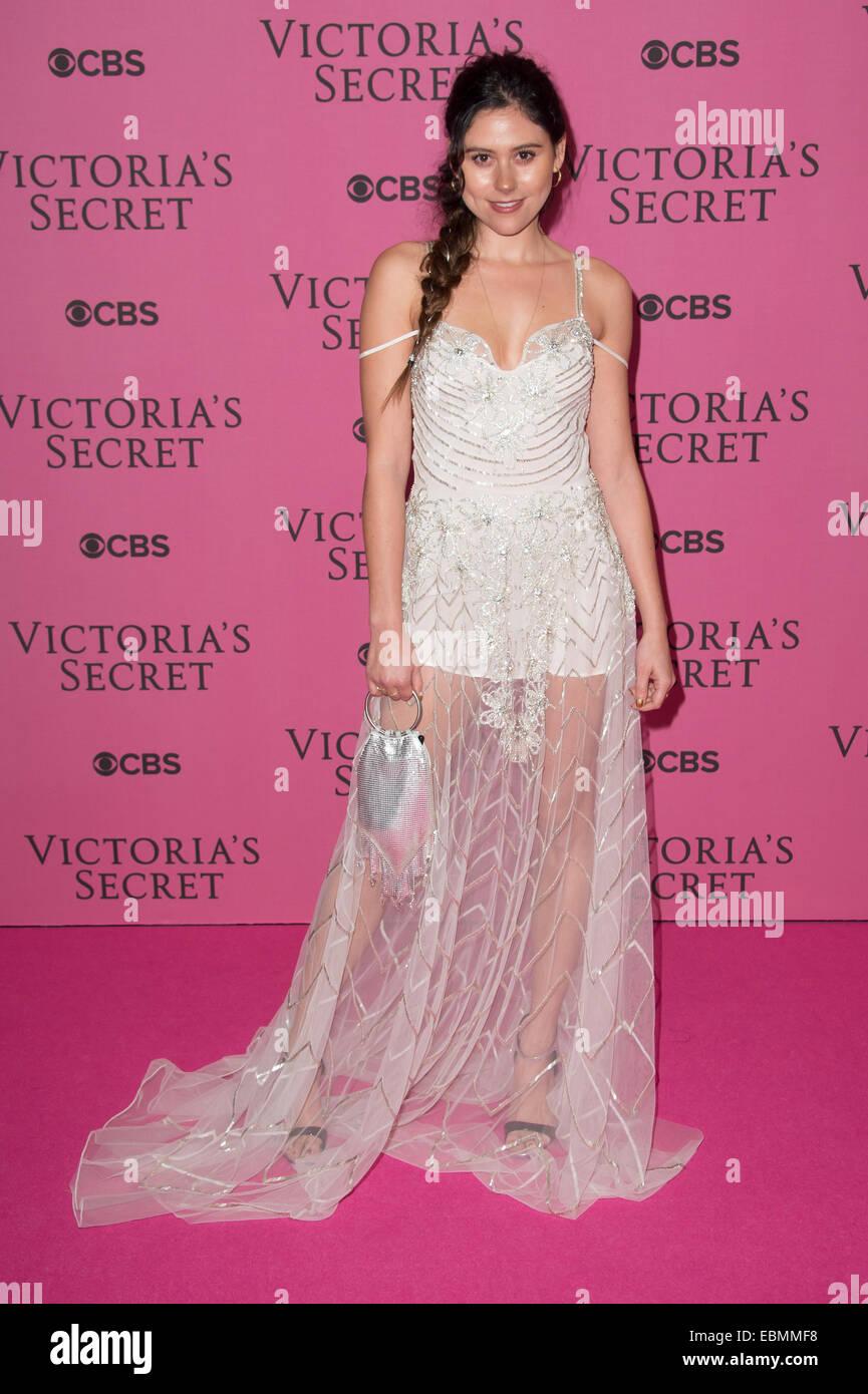 Eliza Doolittle at the Victoria's Secret fashion show in London. - Stock Image