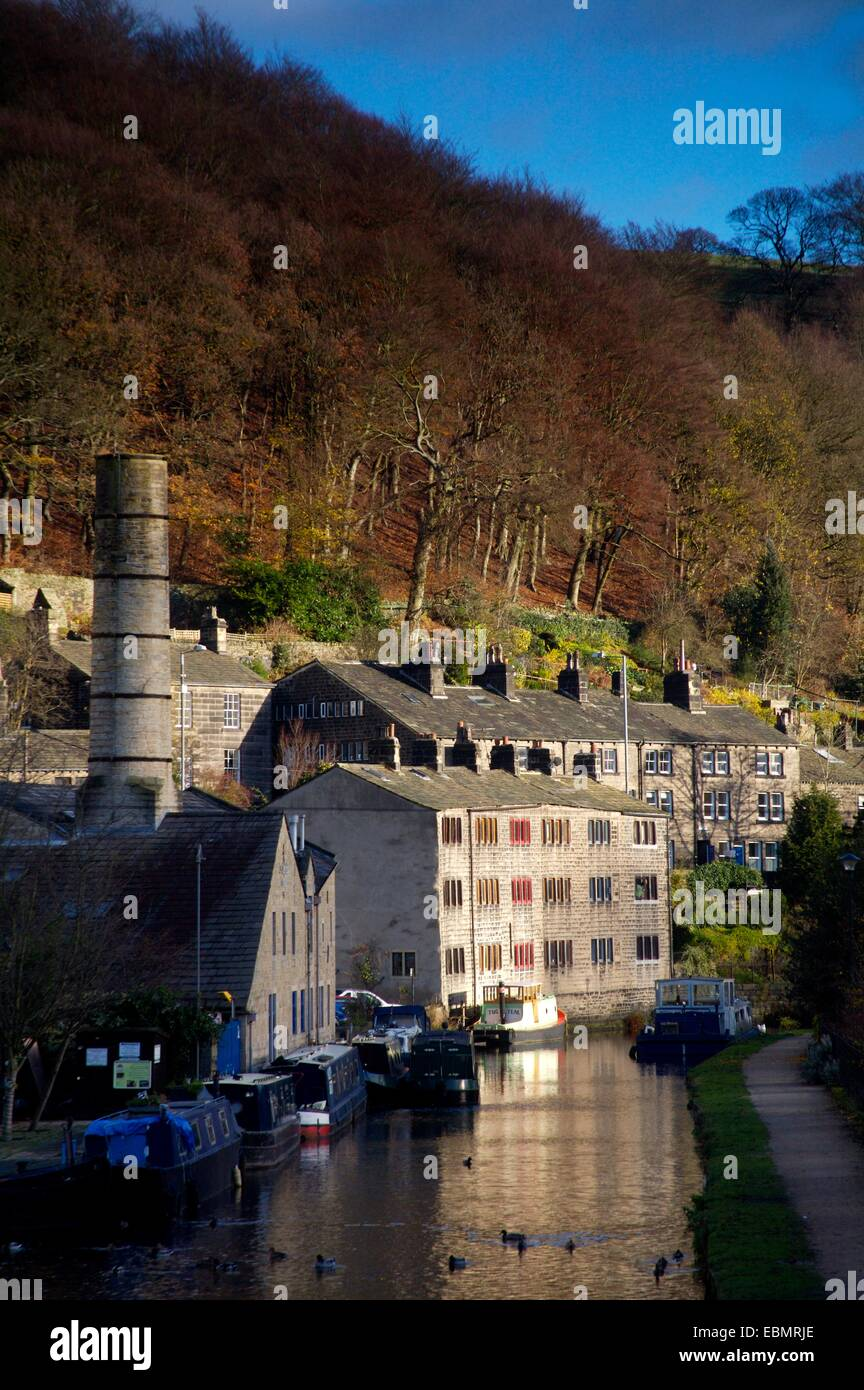 Rochdale canal in the town of Hebden Bridge, West Yorkshire, England - Stock Image