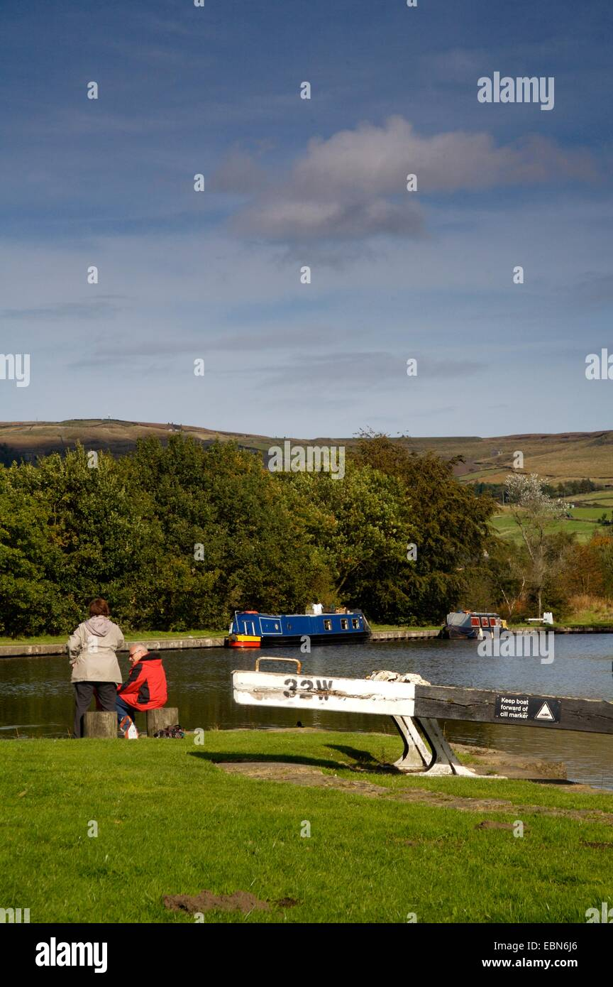 Summit of Huddersfield Narrow Canal, highest in UK, 645ft above sea level, Diggle, Lancashire, England - Stock Image