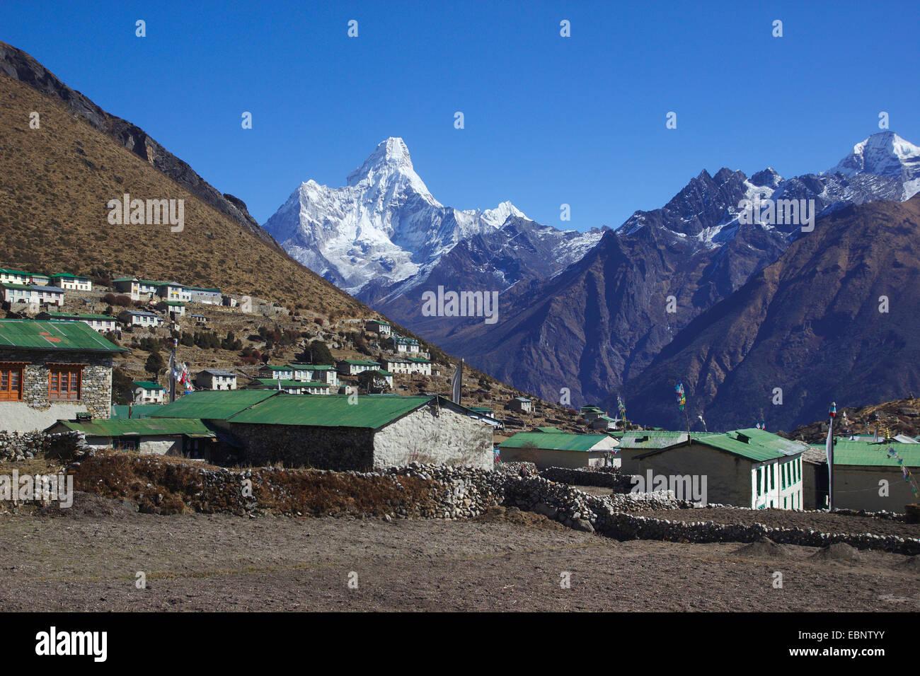 Ama Dablam view from Khumjung, Nepal, Himalaya, Khumbu Himal - Stock Image