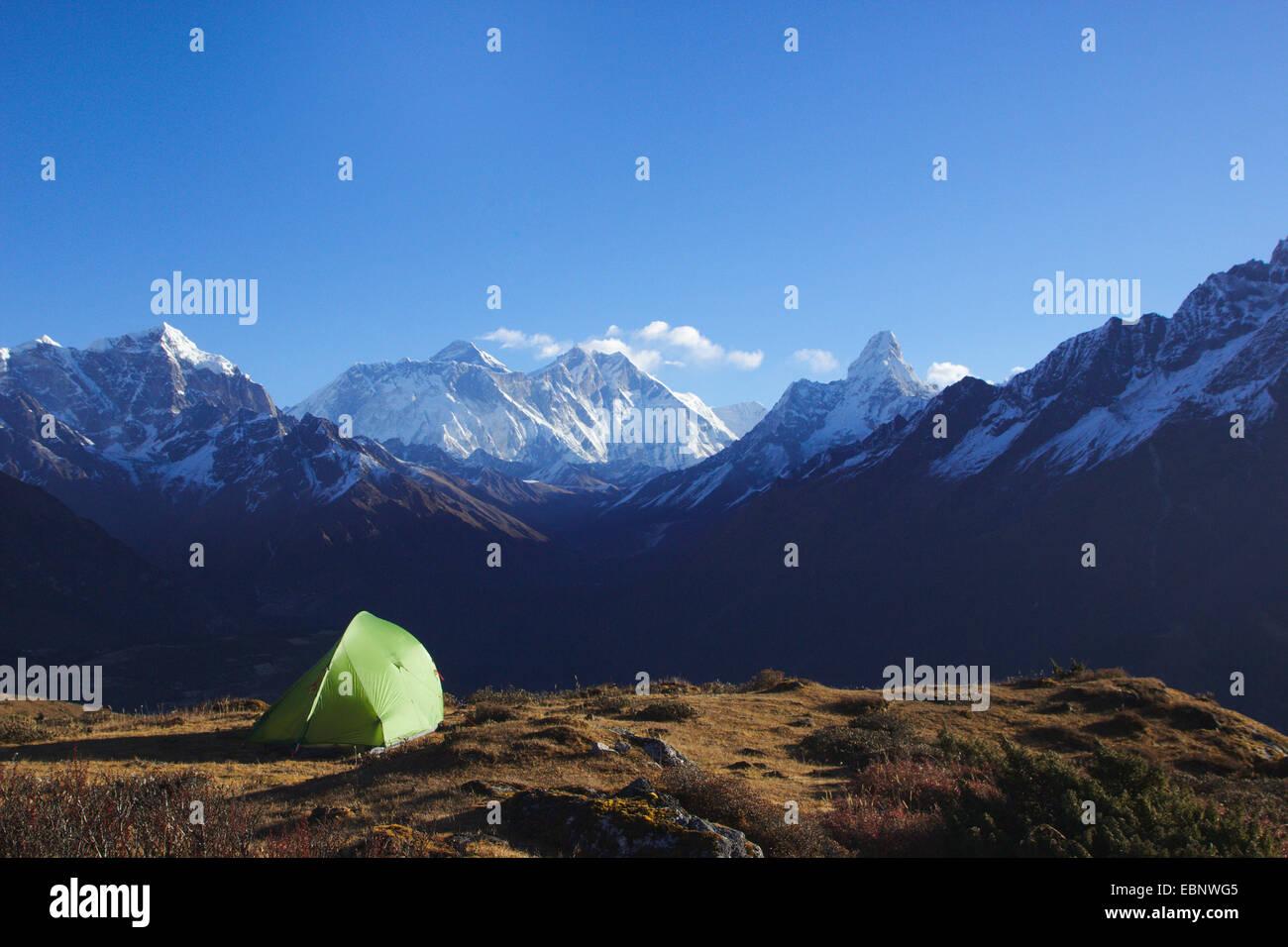 tent near Kaongde Hotel with Taboche, Nuptse, Mount Everest, Lhotse, Ama Dablam, Nepal, Khumbu Himal - Stock Image