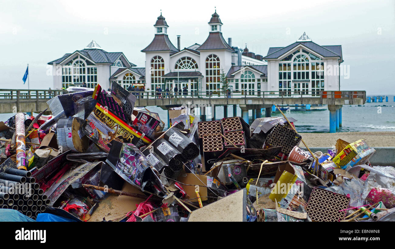 New Year's Eve trash at the New Year's Day on the beach in front of the Sellin Pier, Germany, Mecklenburg - Stock Image