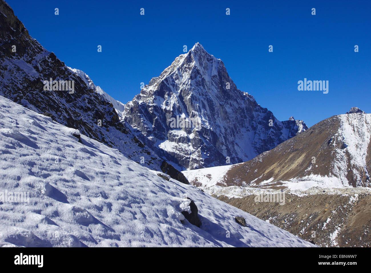 view from ascent to Kongma La to Cholatse, Nepal, Himalaya, Khumbu Himal - Stock Image