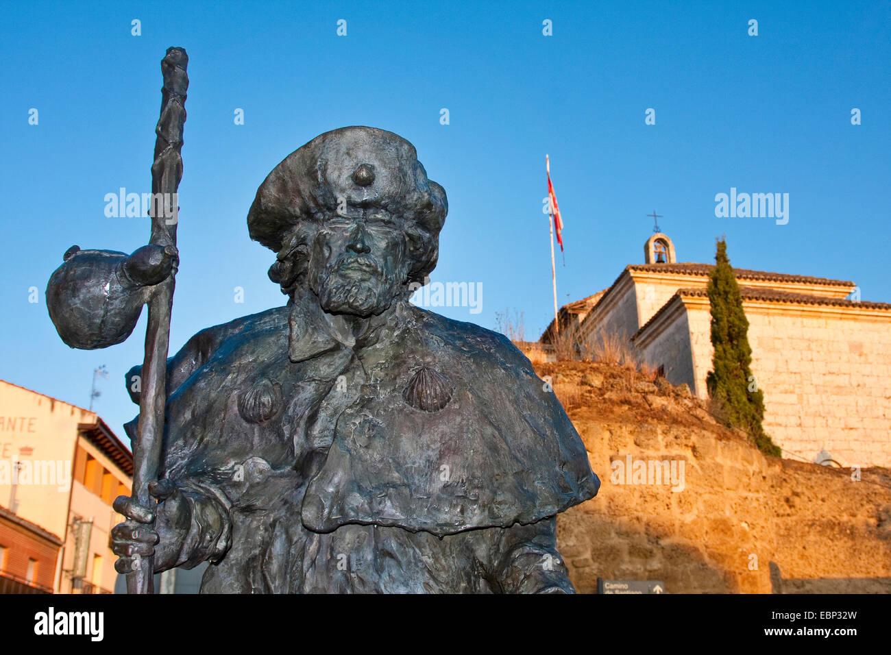 Way of St. James, bronze sculptur of a pilgrim, Spain, Castile and Leon, Palencia, Carrion de los Condes - Stock Image