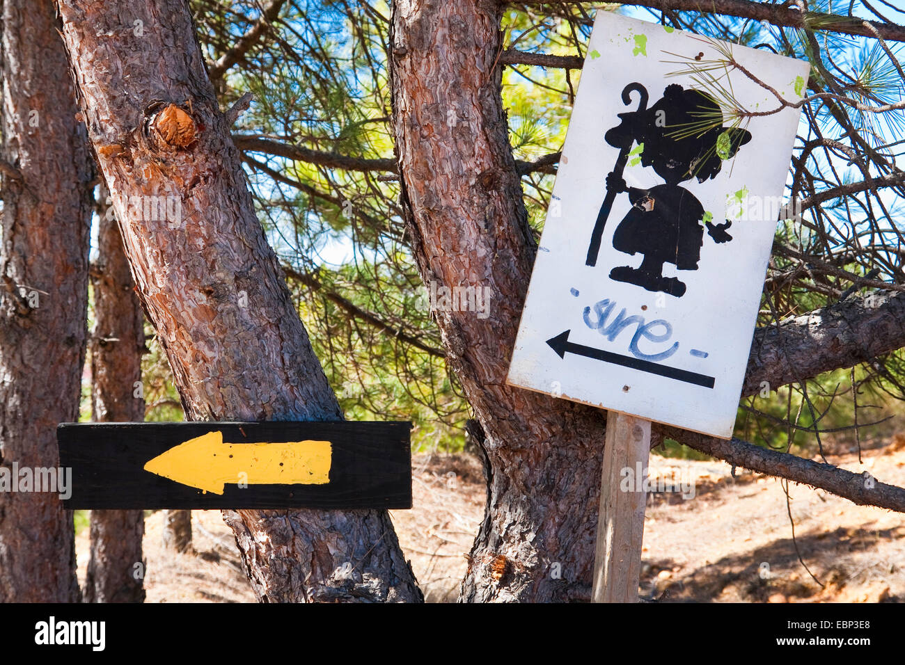 Way of St. James, direction sign near Le�n, Spain, Castile and Leon, Valdelafuente - Stock Image