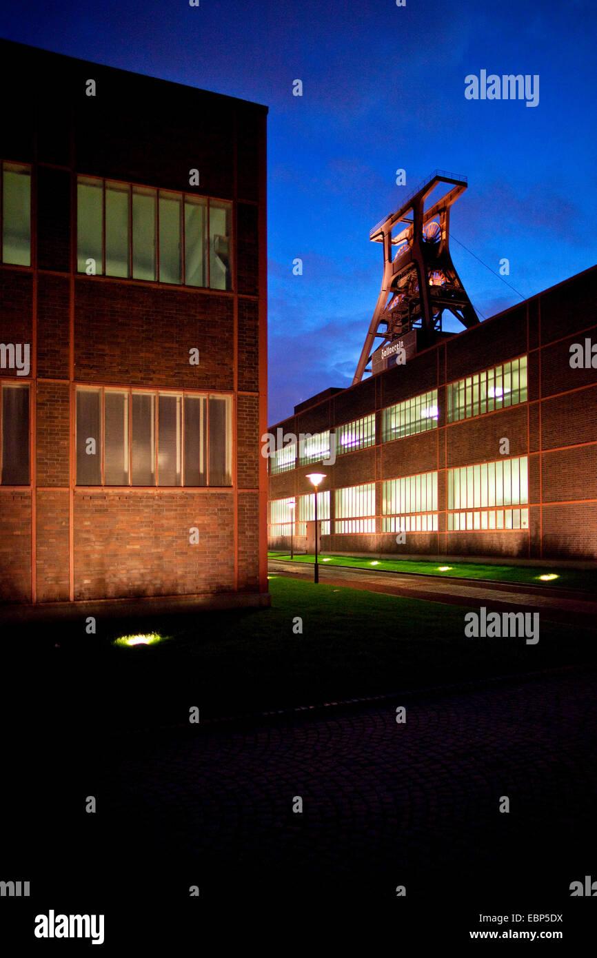 illuminated headgeare 0f coal mine Zollverein, Zeche Zollverein Schacht XII at night, Germany, North Rhine-Westphalia, - Stock Image