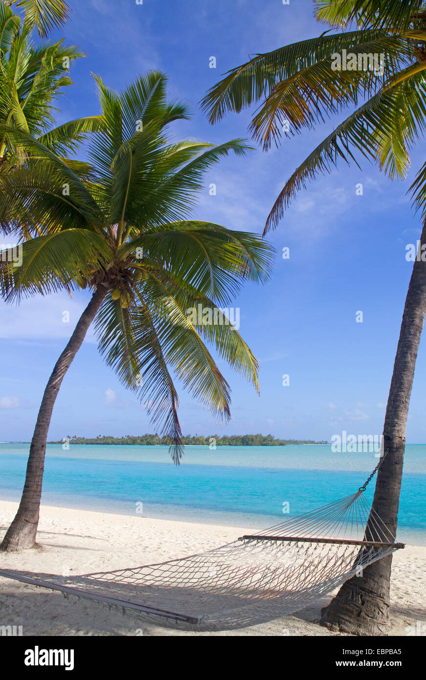 Hammock on an Aitutaki beach - Stock Image