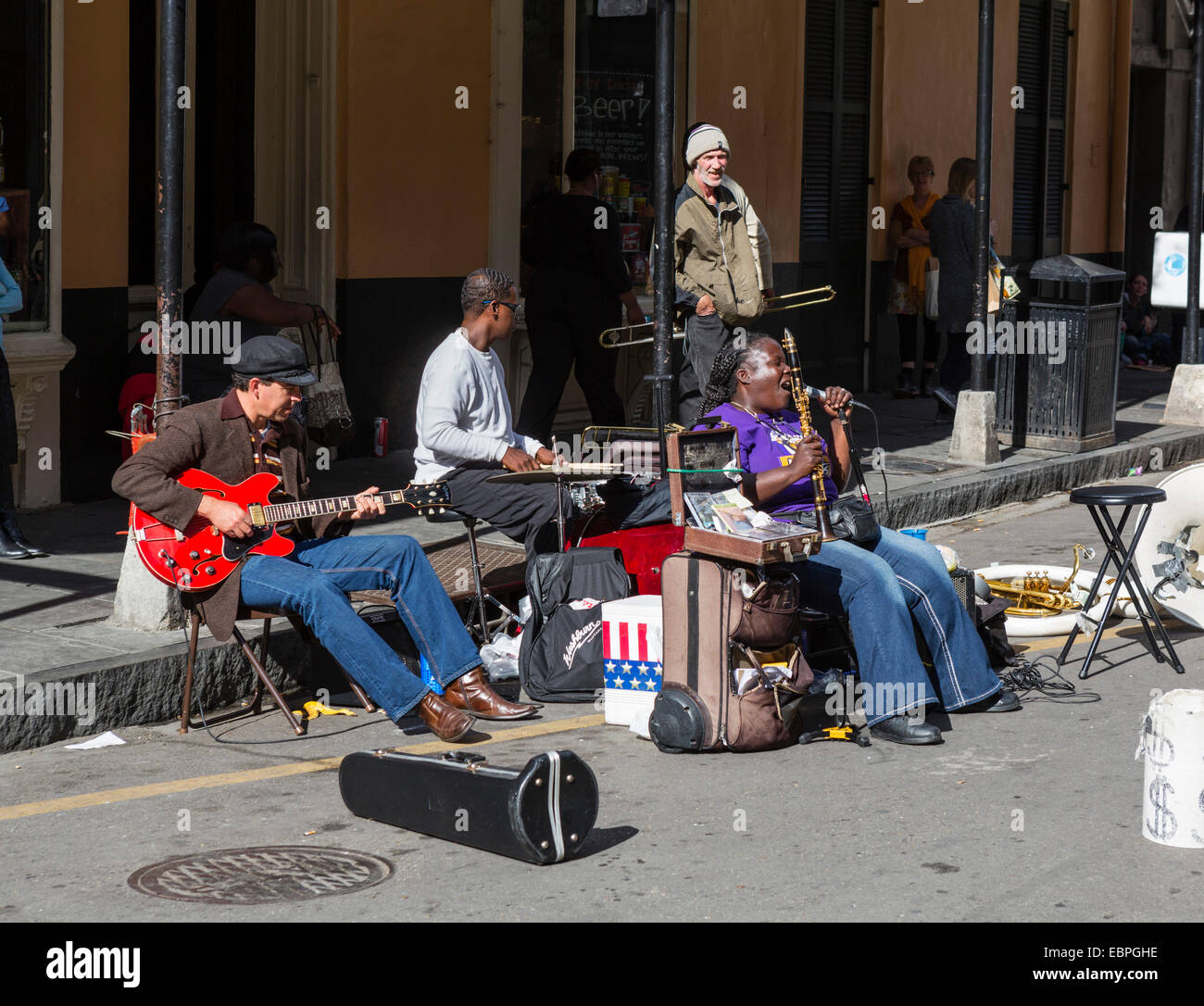 Musicians playing on Royal Street in the French Quarter, New Orleans, Louisiana, USA - Stock Image