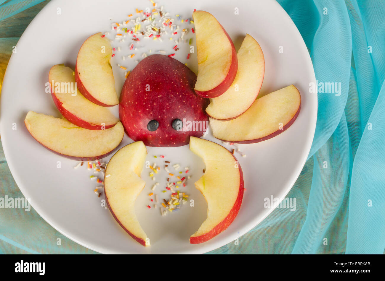 Fruity dessert in the shape of a crab, a creative dessert for ...