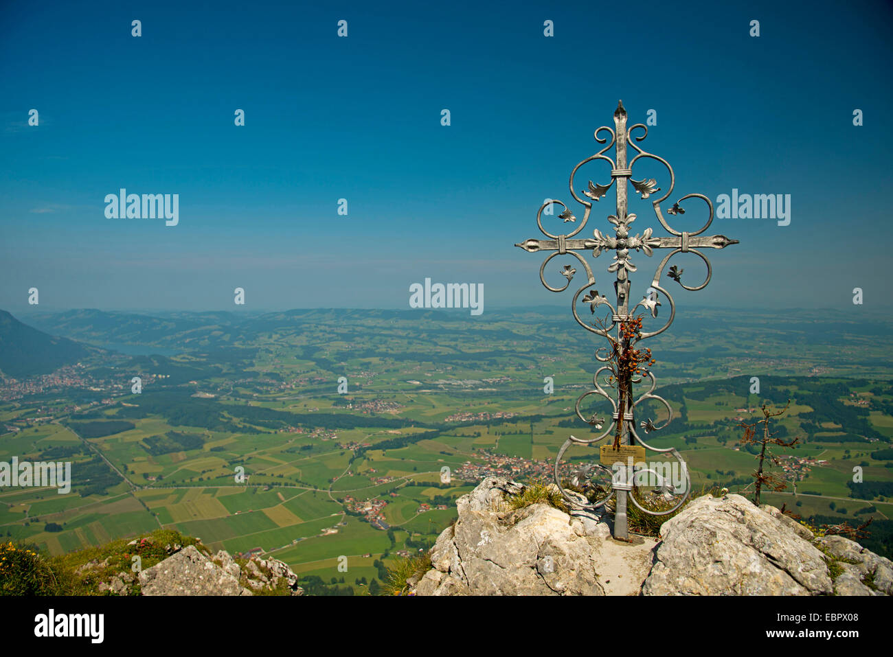 view of vally of Iller from Gruenten (1738 m) , Germany, Bavaria, Allgaeu Alps, Oberallgaeu - Stock Image