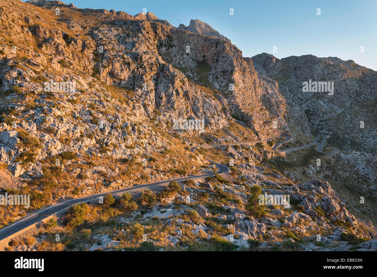 Winding road to Cala de Sa calobra, Serra de Tramuntana (Sierra de Tramuntana) - Stock Image