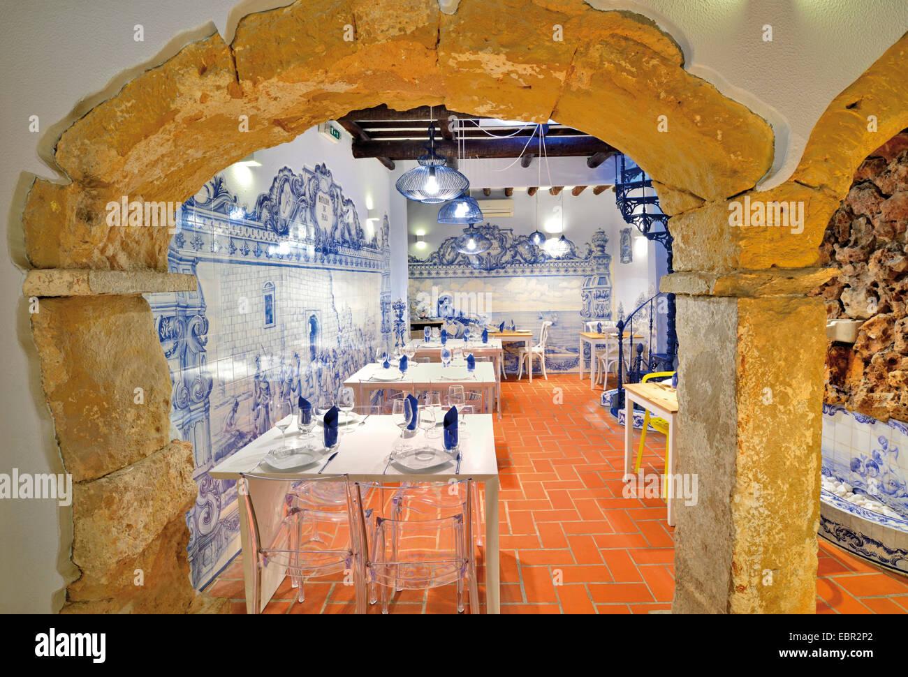 Portugal, Algarve: Traditional restaurant Vila Adentro in Faro - Stock Image