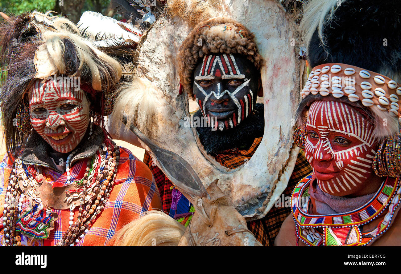 traditional Kikuyu people with their face ornament, Kenya - Stock Image